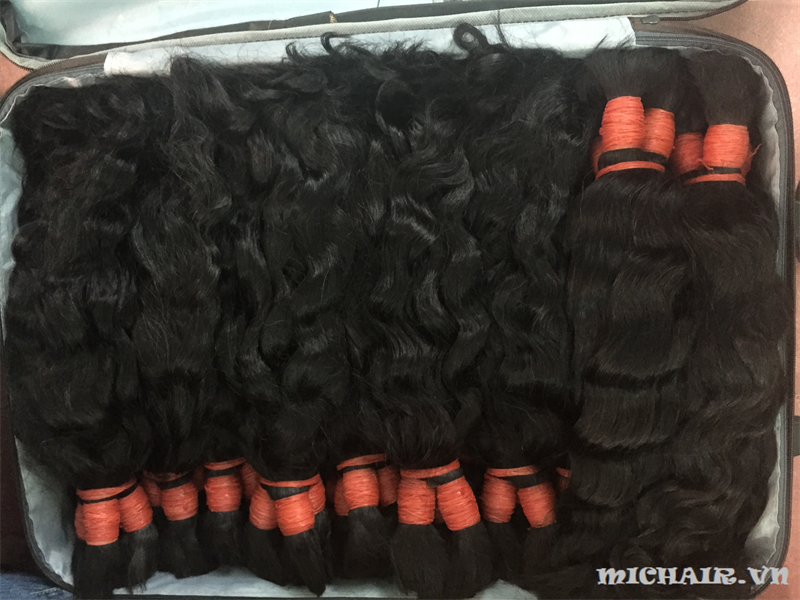 SILKY  WAVY HUMAN HAIR TOP QUALITY