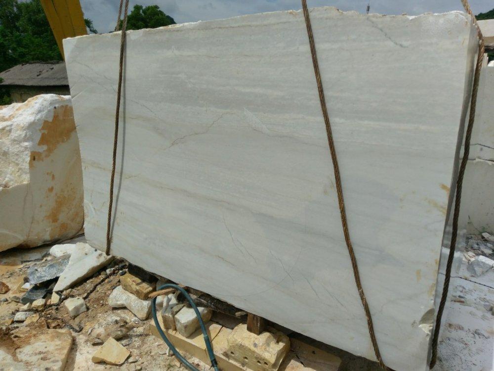 Mua Wood vein marble slabs