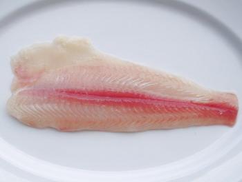 Mua Cá tra phi lê còn thịt đỏ, bỏ mỡ