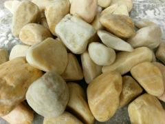Natural crushed gravel stone