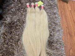 إن لون الشعر الطبيعي والاصطناعي.