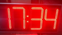 Clock Thermomete with light-emitting diodes