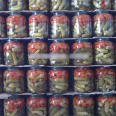 Canned gherkin tomato