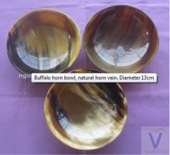 Buffalo horn bowl, natural horn vein. Diameter