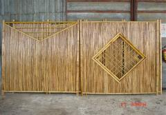 Bamboo fence panel with lattice