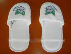 Flower embroidered design slipper