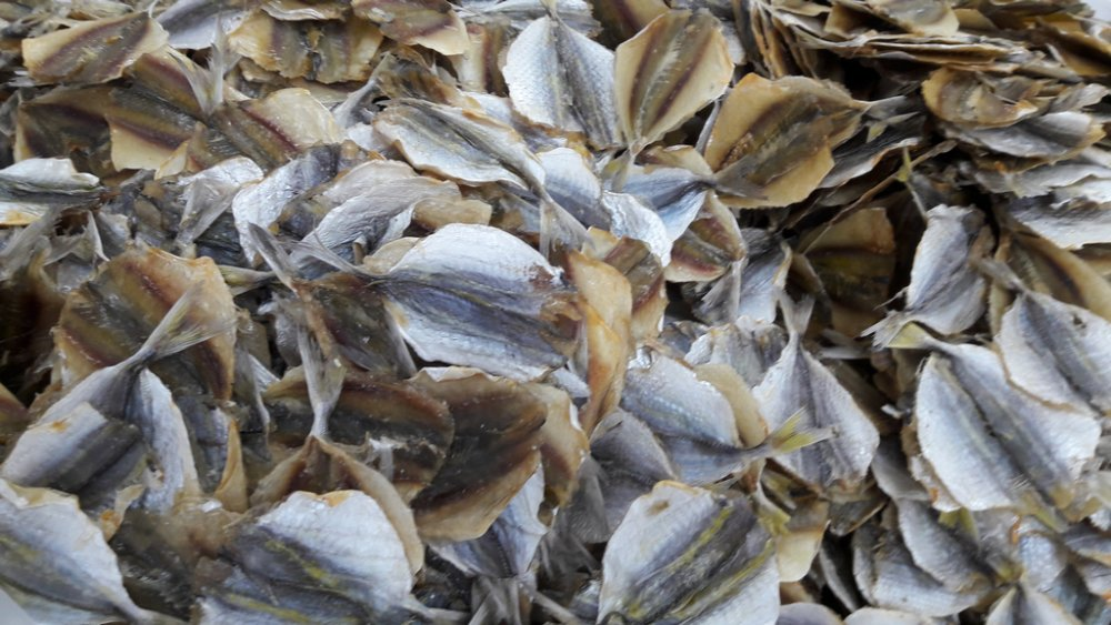 dried_salted_yellow_stripe_trevally