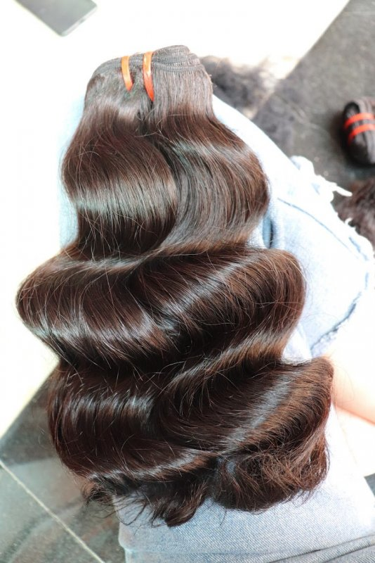 wavy_hair_with_natural_color
