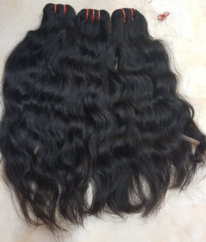 natural_wavy_hair_with_black_color