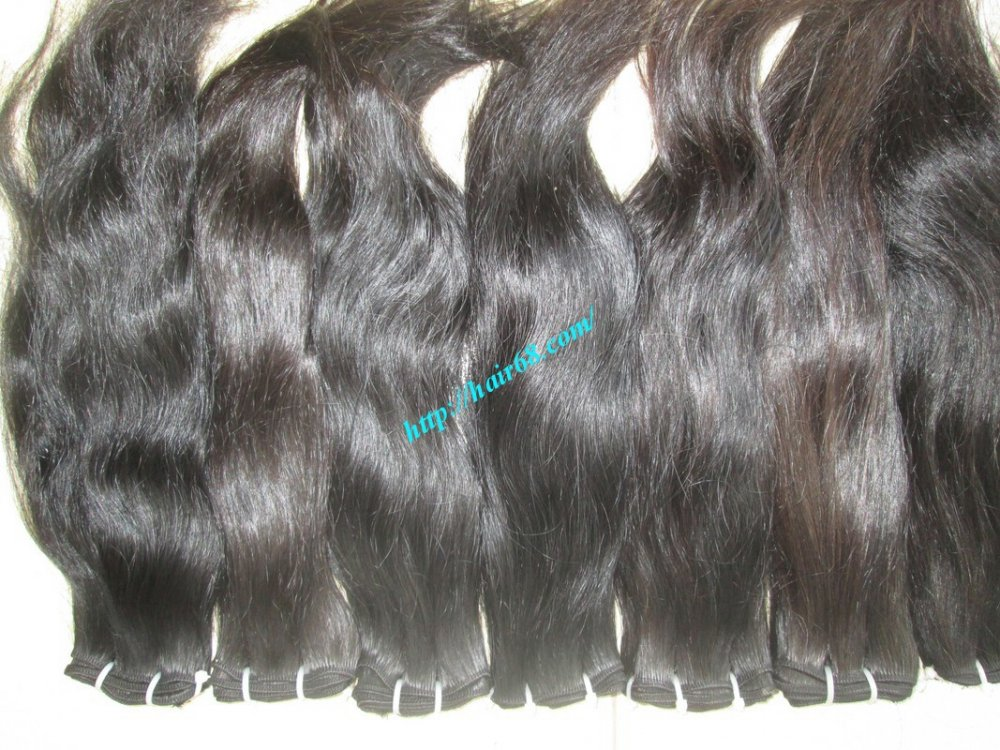 20_inch_wavy_hair_weave_extensions_single_drawn