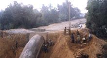 Xây dựng đê, kè, đắp đập hồ chứa nước…